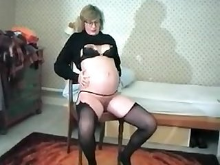 Amateur wife 9 months pregnant private video