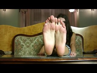 Hania s big sexy feet 2