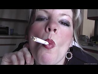 Smoking fetish dirty talking