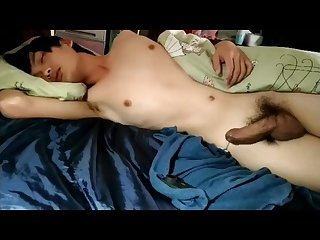 Sleeping asian cums handsfree