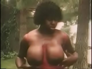 xhamster.com 3648369 vintage ladies showing their big boobs