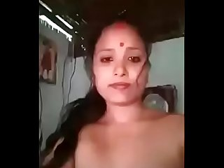 Hot desi village married bhabhi take a naked selfie
