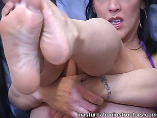 Masturbation teacher teases cocks using her feet