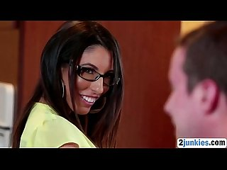 Nerdy stepmom sucks and rides big cock0p