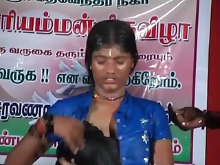 Tamil hot dance- her reaction says