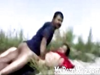 Horny north east indian couple fucking in the outdoors mms