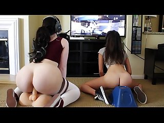 Teen girls play videogames while masturbating - more on www.viewcamgirls.com