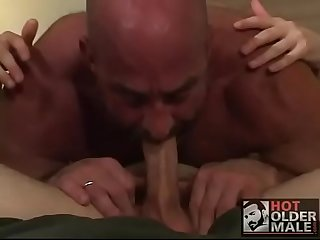 Dad fucks his nasty boy papa folla con hijo