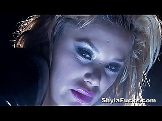 Shyla stylez S smoking fetish