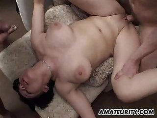 Amateur girlfriend takes huge loads of cum on her face