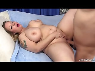 Big boobed bbw sinful samia sucks and fucks