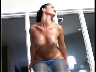Gostosa danando delicia big booty