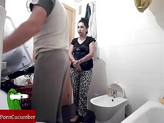 Cleaning the genitals and fucking in the Toilet