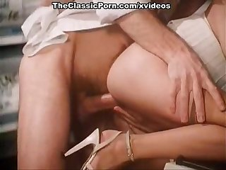 Annette haven comma lisa de leeuw comma veronica hart in vintage porn Video