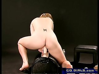 Teen big tit amateur cums on the sybian