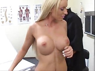 Horny patient fucks the sexy doctor