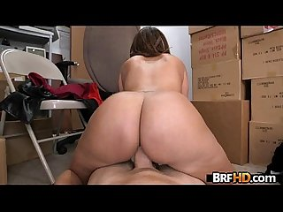 Big booty latina Vanessa Luna hardcore sex in the back room 1 5
