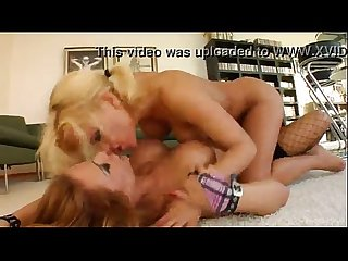 Hard lesbian squirt and fast dildo