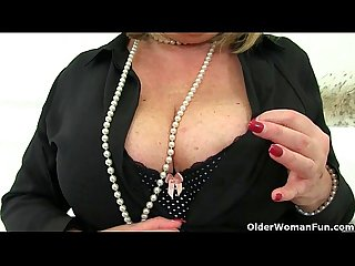 Aunty trisha s hard nipples and old pussy need loving