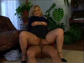 Horny old woman wants the young pianist s cock