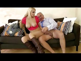 Amateur horny blondie gets fucked