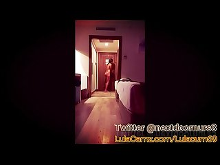 Desnuda exhibiendose frente al hombre de mantenimiento del hotel live now lulacamz com