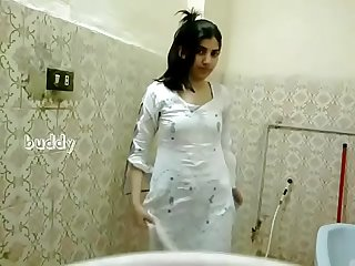 Indian hot girl bath hidden cam