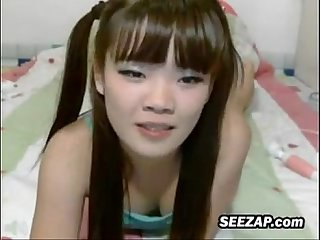 Korean web cam Girl being naughty