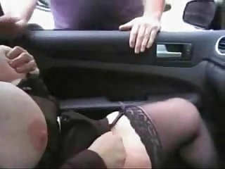 Hot mature bitch having fun with voyeur in car