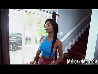 Ebony bombshell Sarai Minx tidies up for hardcore riding