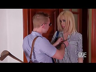 Milf Chessie Kay's last minute hardcore titty fuck at the Doctor's office
